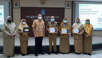 Terima Penghargaan dari BPJS, Bupati Bateng Minta Tingkatkan Pelayanan Kesehatan