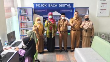 Wabup Bateng dan Ketua PKK Resmikan Pojok Baca Digital di RSUD